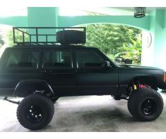 Vendo jeep cherokee modificado barato